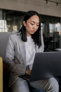 Freelancer article: HR expert on assignment abroad